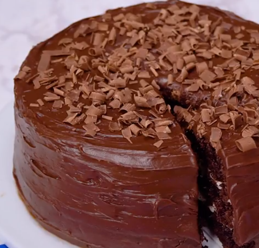 3 Layer Cake Icing: Hersheys Chocolate Cake With Cream Cheese Filling