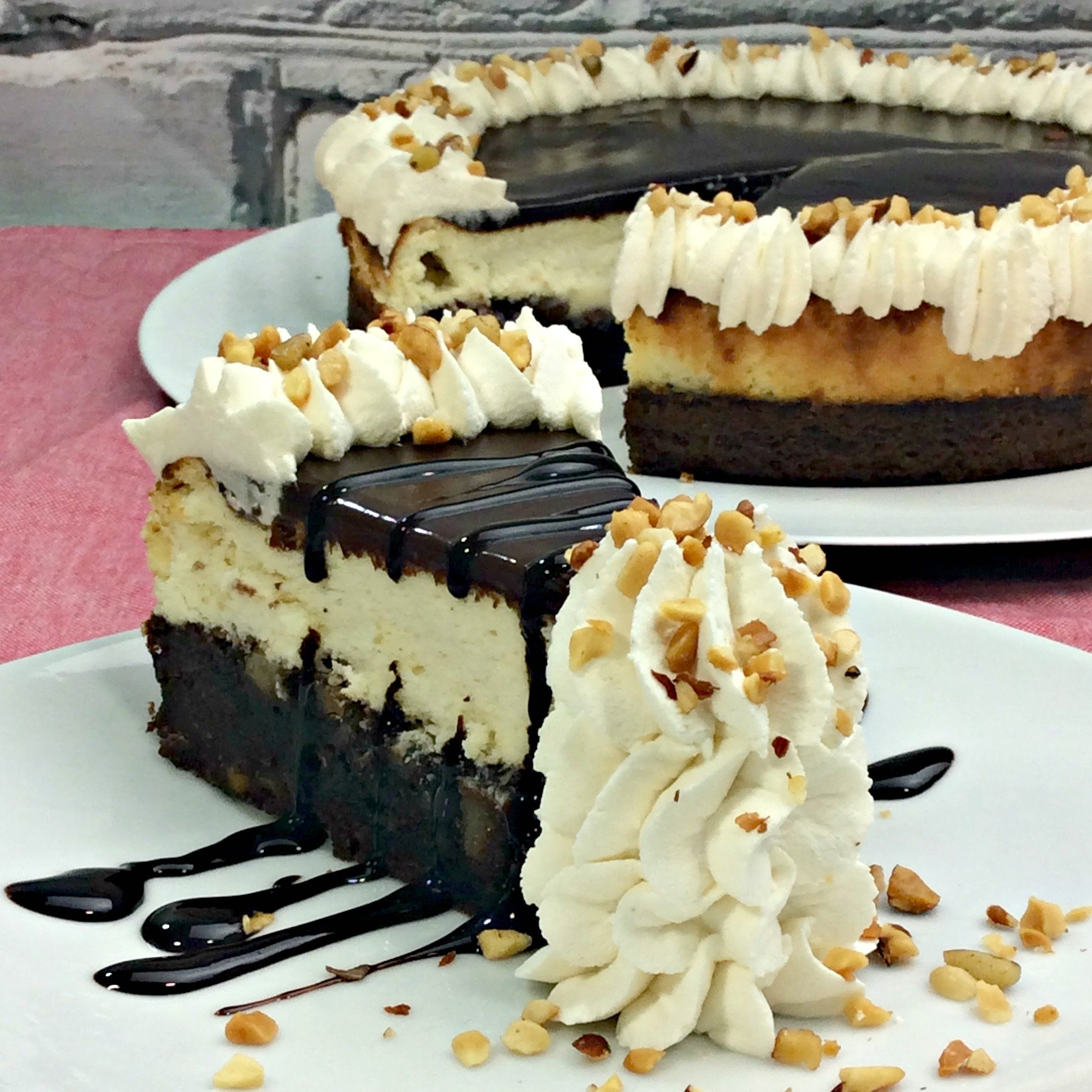 Hot Fudge Sundae Brownie Cheesecake!