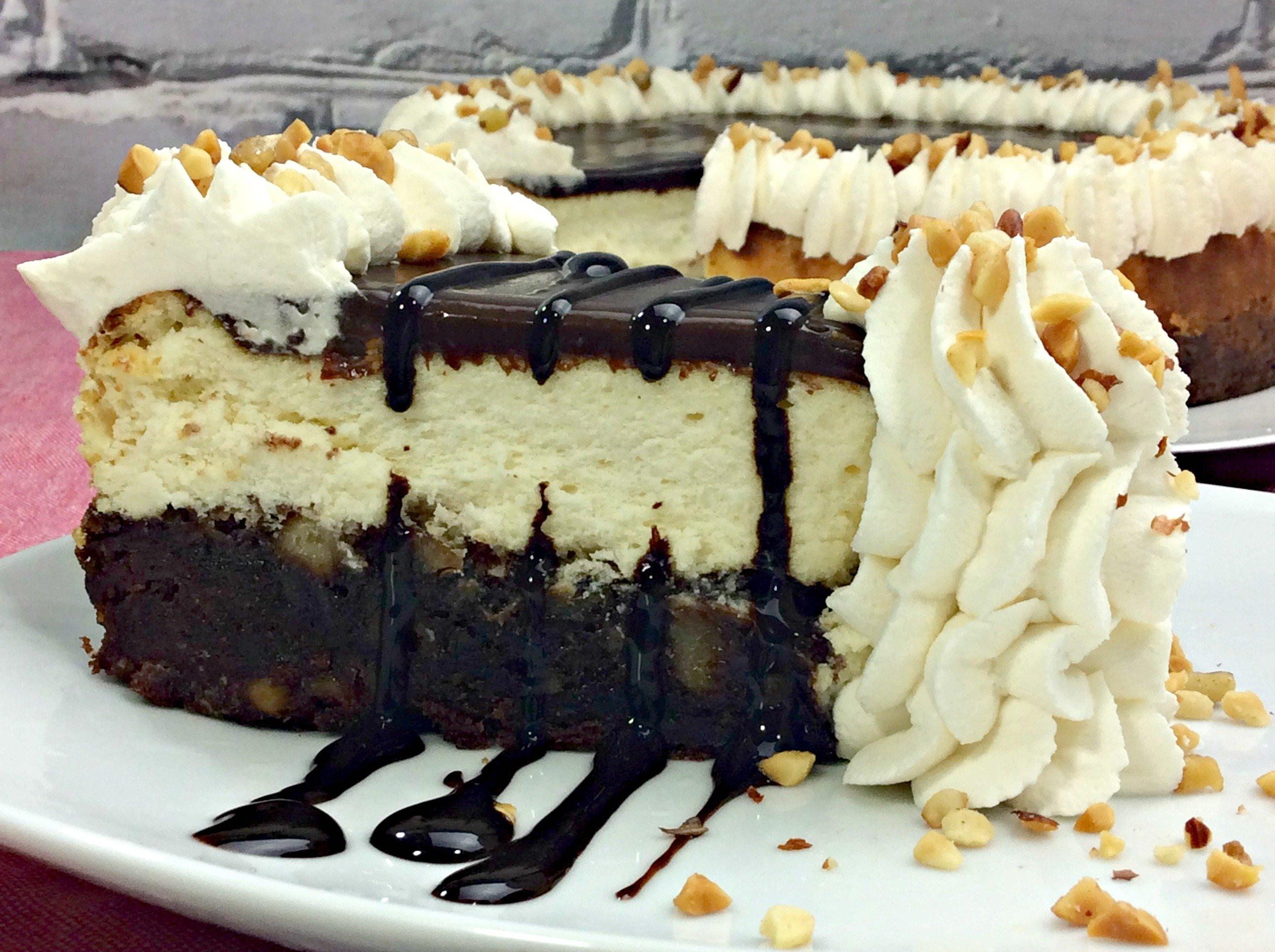 Hot Fudge Sundae Brownie Cheesecake
