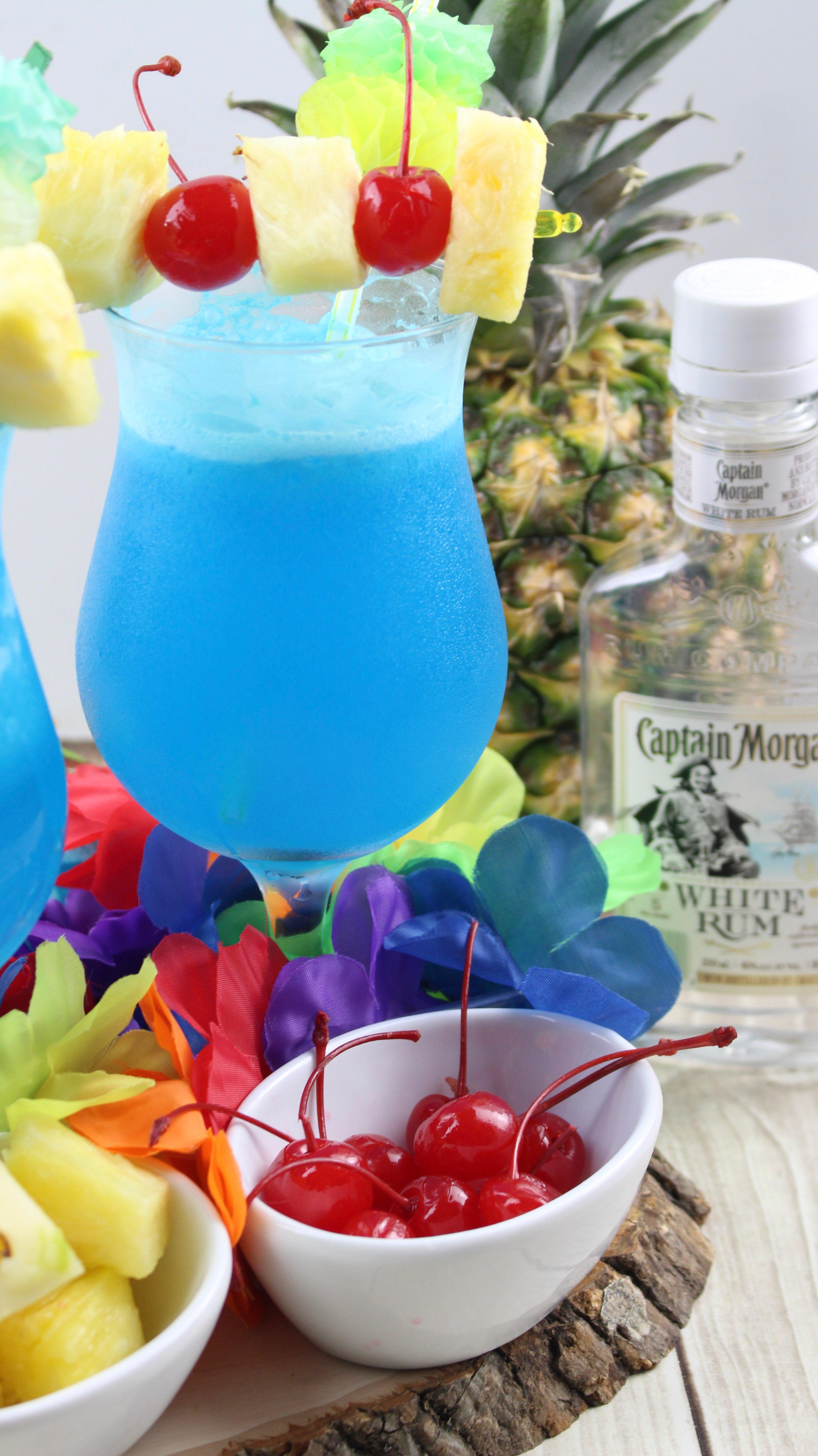 Blue Hawaiian Cocktail!