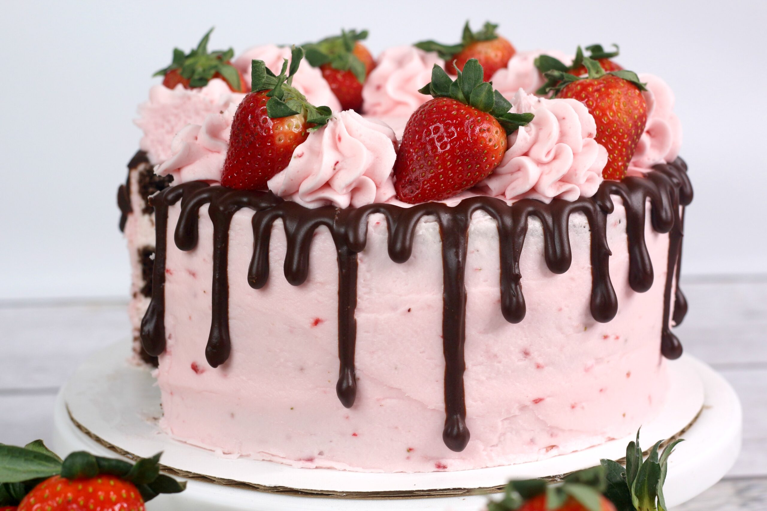 Remarkable Chocolate Kahlua Cake With Strawberry Buttercream Frosting Funny Birthday Cards Online Benoljebrpdamsfinfo